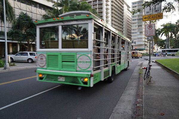 ハワイのトロリーバス