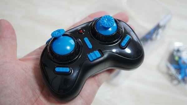 ミニドローンH36のコントローラー