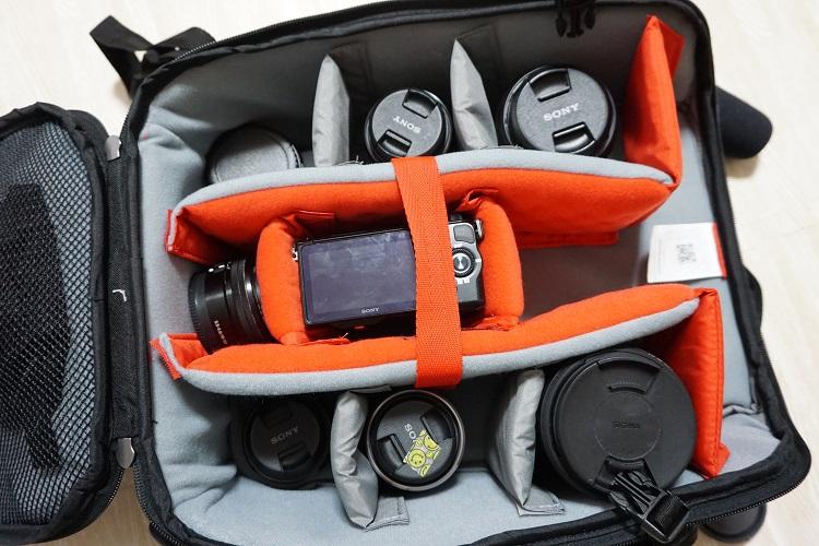 カメラバッグ,仕切り,中仕切り,中身