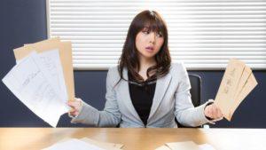 映像制作の仕事は転職サイトと転職エージェントのどちらで探すべきですか?